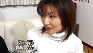 Mesmerizing Hitomi Ikeno is gently sucking a biggest shaft like a pro