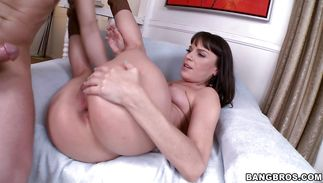 Sassy mature brown-haired gal Dana De Armond puts a hard stick in her wet mouth