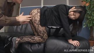 Voluptous Arisa Misato got down on her knees and gave a oral sex to fuckmate