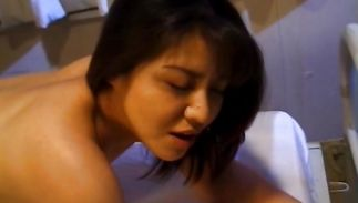 Swingeing mature Yuko Tachibana is having casual sex with a boy who just discovered her
