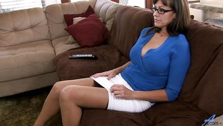 Aphrodisiac mature Tori Dean will brake his weenie that's off for sure