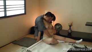 Seductive busty mature slut rides a thick shaft with all of her might