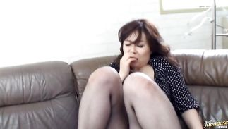 Older lady Nami Oumi is magnificent and she is ready for sex