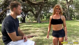 Sensational mature Amanda Verhooks surprised dude while that guy was not expecting it