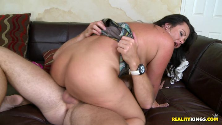 Sassy older Brooklyne squirms while being drilled with great vigor